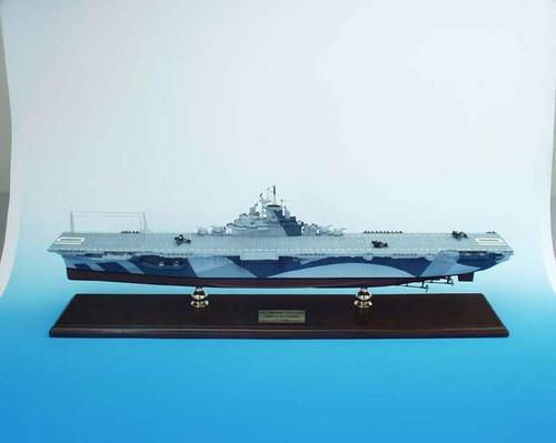 Uss Yorktown CV-10 1/350  - US Navy (USA) - Museum Company Photo