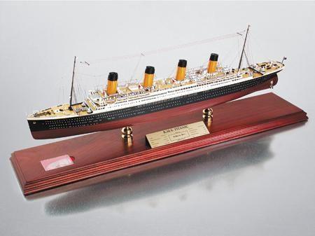 RMS Titanic Model - Photo Museum Store Company
