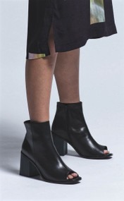 Elk Terra Woman's Leather Boot modelled