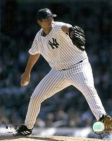 Carl Pavano Unsigned New York Yankees Action 8x10 Photo