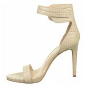 VINCE CAMUTO Women's FARELLA Sandal PORCELAIN