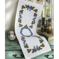 Hepatica in a ring table Runner Kit