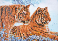 Tigers in the Snow Craft Kit by Diamand Dotz