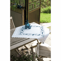 Embroidery Kit: Tablecloth: Cheerful Cats by vervaco