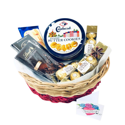 Super Deluxe Cookies and Chocolate Basket
