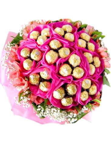 Pretty in Pink 30 Ferrero & Lilies Bouquet