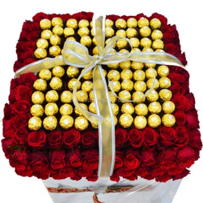 Giant 200 Roses & 100 Ferrero Bouquet