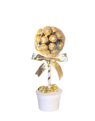 24 Ferrero Rocher Tree