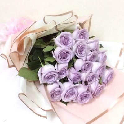 12 Lilac Ecuadorian Roses