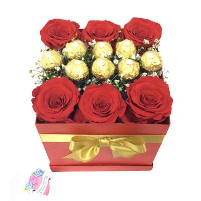 Deluxe Ecuadorian Roses Ferrero Box