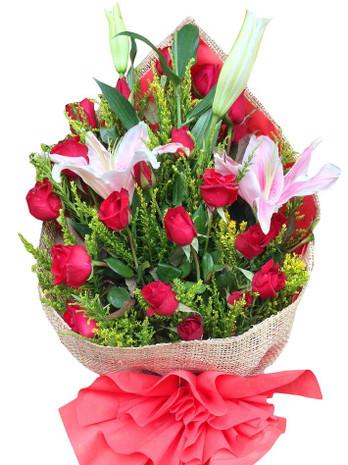 24 Roses & Stargazer bouquet