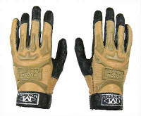 US Army Ranger Gunner In Afghanistan - Gloved Hands (2)