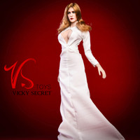Elizabeth Keyhole Gown Sets - Boxed Set (White)