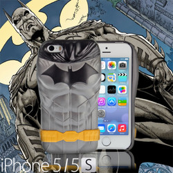 Collector Series: iPhone SE / 5 / 5s Comic 3D Protective Case: The New 52 DC Comics SuperHeroes - BATMAN CMCA034000 by IQCUBES.COM
