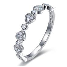 18kt Gold Wedding Diamond Ring Band , Victoria Heart diamond Ring