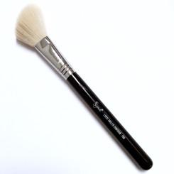 F40 Large Angled Contour Brush