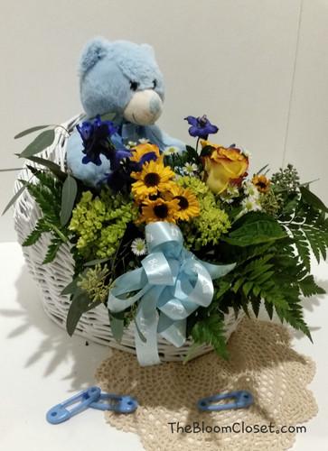 TheBloomCloset.Com Baby Boy Bassinet Flowers