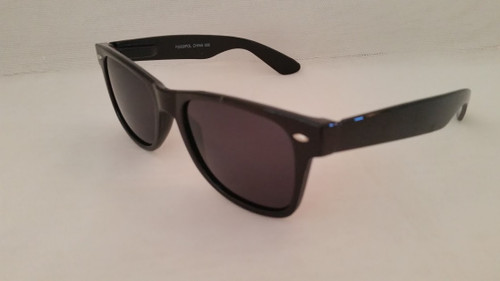 Polarized Wayfarer Style Sunglasses/Blk/Smk