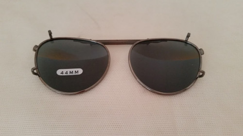 small oval adjustable polarized clip-on sunglasses 44mm