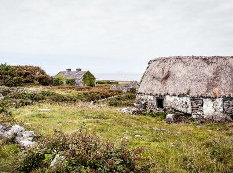 Irish Thatched Cottage By Wild Atlantic Way, Ireland