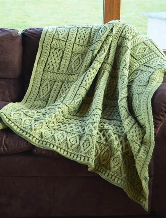 Two-Tone Aran Pleated Throw - Leaf