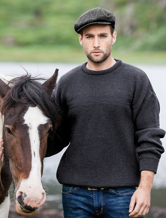 Worsted Wool Mens Hillwalker Sweater - Charcoal