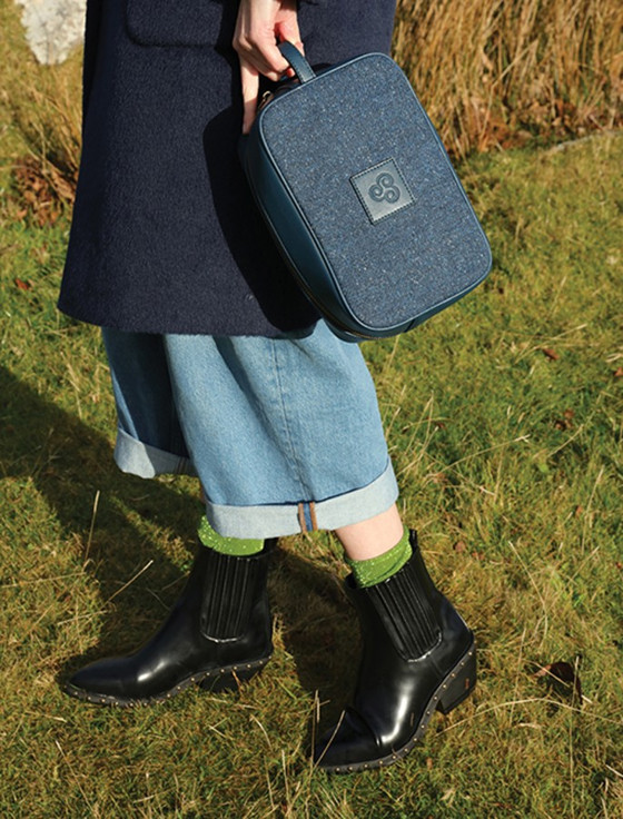 Kerry Tweed Washbag - Midnight Blue (