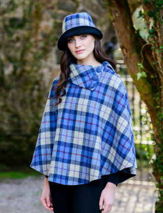 Mucros Poncho - Blue Cream Plaid