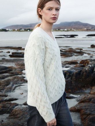 Women's Plait Cabled V-Neck Sweater