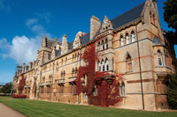Private Accessible 8 hour London Driving Tour to Oxford