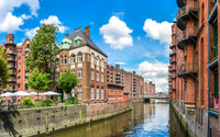 Private Accessible 4 Hour Panoramic Hamburg, St. Michael's Church and UNESCO Hafencity Tour