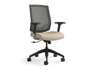 Focus Sport highback task chair, freeway mesh, SitOnIt Seating Horizon Sandstorm, fully adjustable arms with Sport arm pads, oversized Sport casters, black base