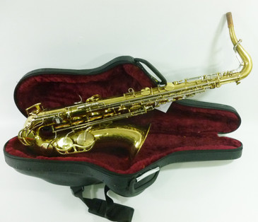 KING SUPER 20 c.1972 TENOR SAX - REFURBISHED