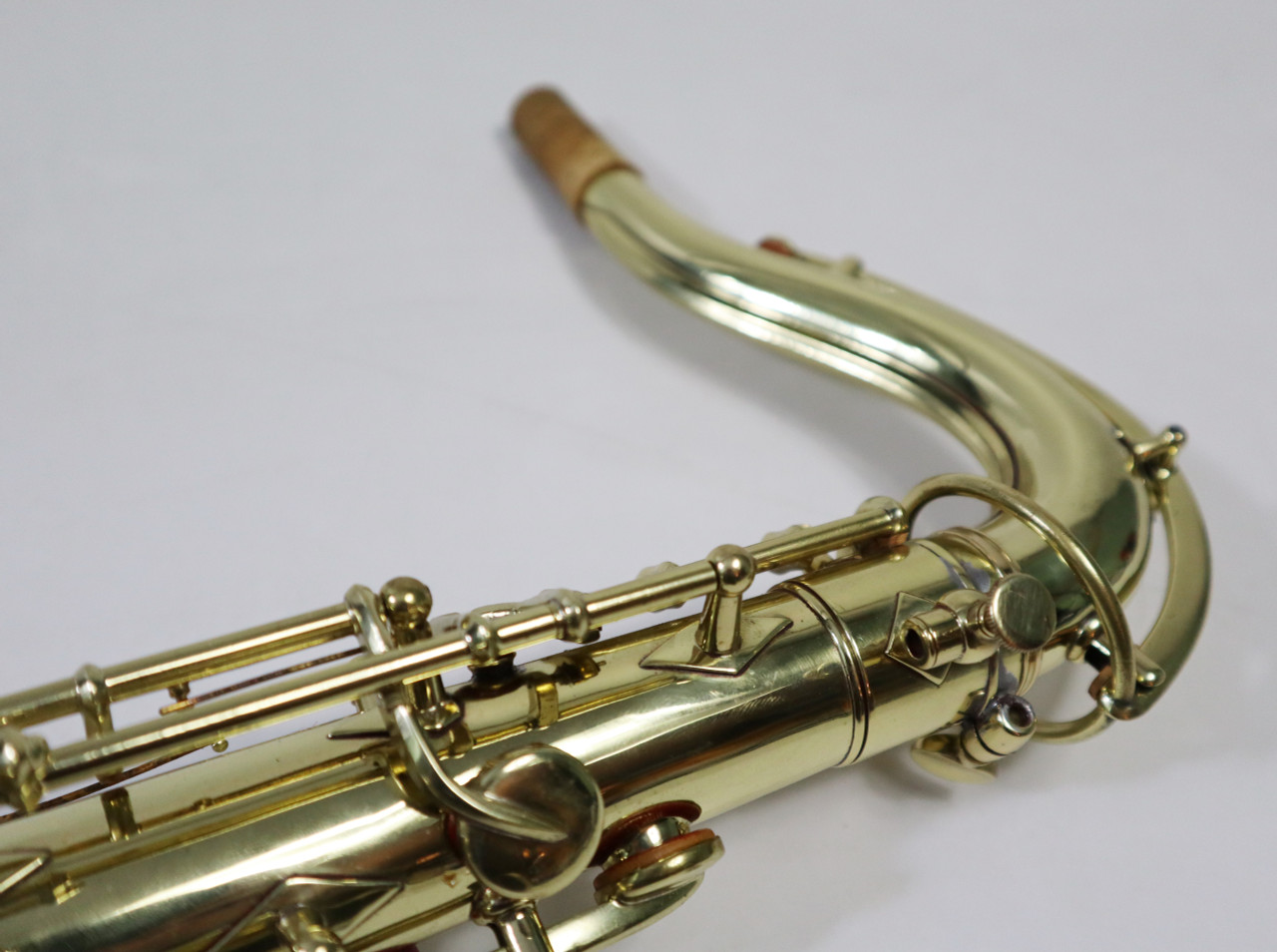 "BUESCHER ARISTOCRAT ""BIG B"" TENOR SAX c. 1945 - REFURBISHED 4"