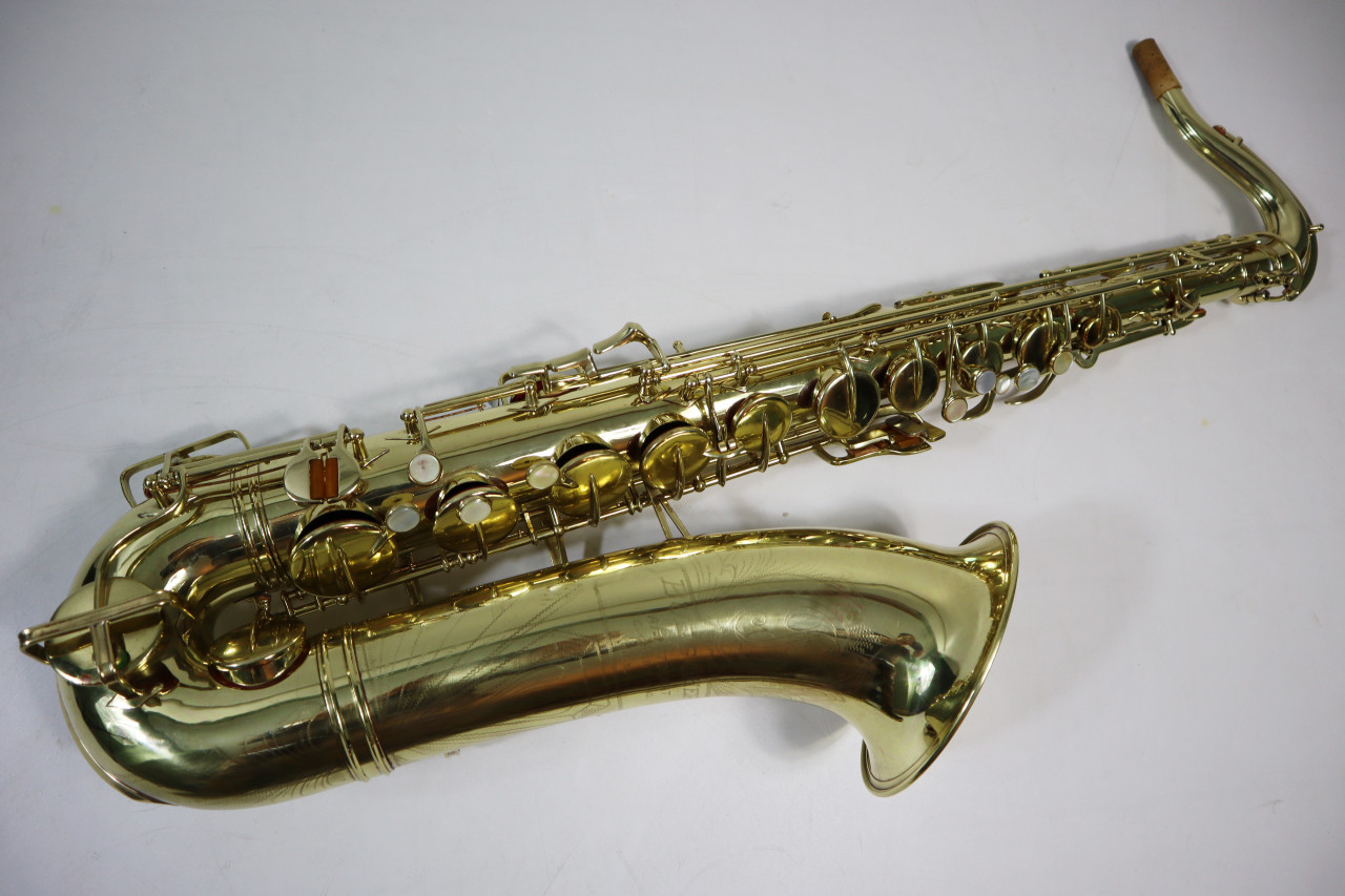 "BUESCHER ARISTOCRAT ""BIG B"" TENOR SAX c. 1945 - REFURBISHED 1"