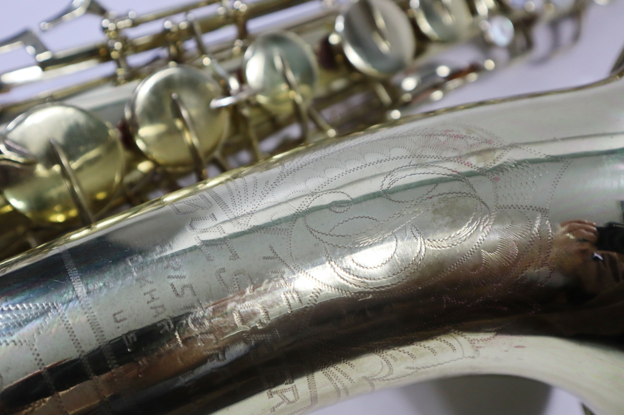 "BUESCHER ARISTOCRAT ""BIG B"" TENOR SAX c. 1945 - REFURBISHED 15"