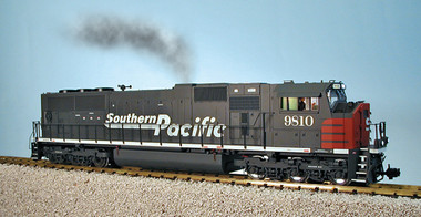 USA Trains G Scale Southern Pacific SD-70 MAC Gray/Red