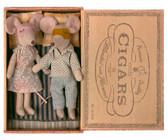 Maileg Mum and Dad in Cigar Box 16-1740-01