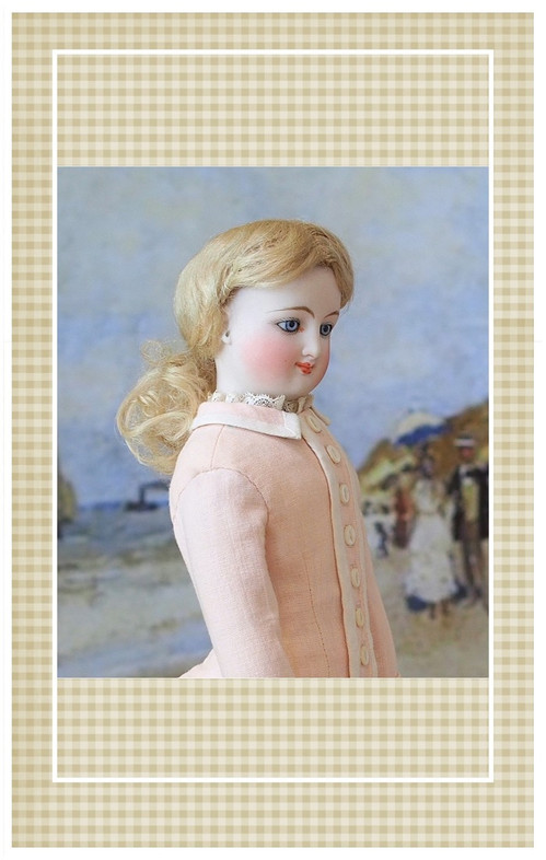 This beautiful walking costume is suitable for a doll portraying a 14-15 year old young lady.