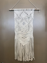 Macramé Hanging with Front Pocket