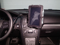 """UT-201 - DISCONTINUED [USE P/N: UT-2001] -- Havis Universal Rugged Tablet Cradle (for approx. 9-11"""" tablets)"""