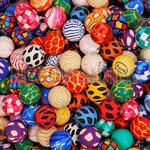 negocio-pelotas-botonas-27-mm-mezcla-1-estandar-caja-con-2-000-piezas.jpg