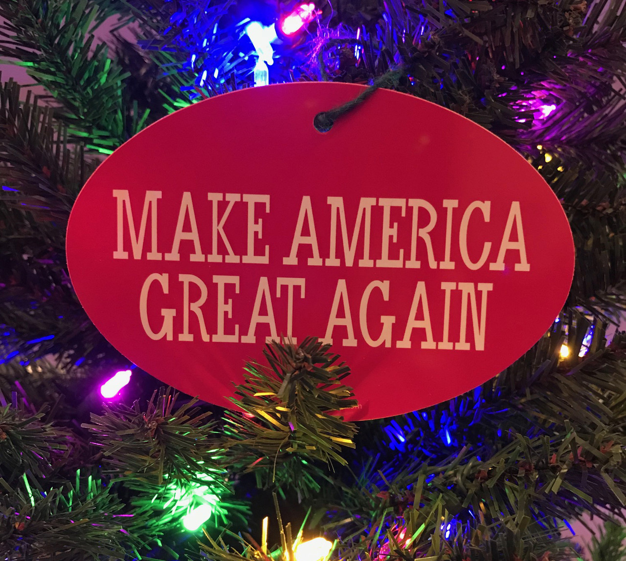 f81ffcf5669 PRESIDENT DONALD TRUMP - MAKE AMERICA GREAT AGAIN 4x6 Inch Christmas Tree  Ornament. Price   3.99. Image 1