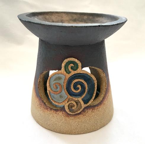 Oil Burner with Celtic Spiral Motif