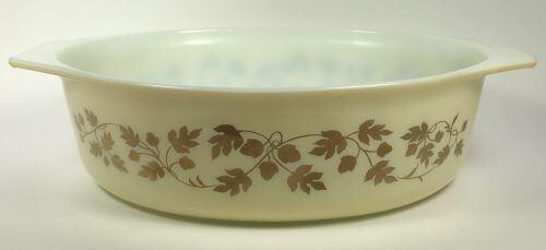 Vintage Pyrex oval casserole cream gold acorn