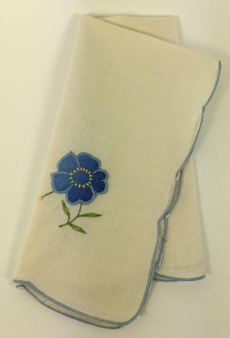 Vintage Napkins Cream Blue Scalloped Border Flower Set of 8