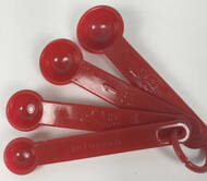 Vintage Measuring Spoons Red Just a Pinch
