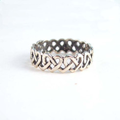 Sterling Silver Interlocking Hearts Celtic Knot Band Ring