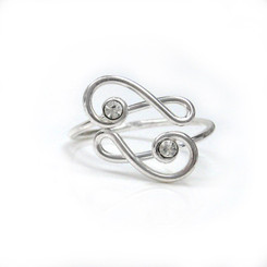 Sterling Silver Crisscrossing Treble Clef and Crystals Adjustable Toe Ring, Clear