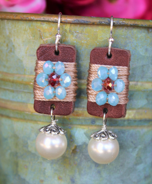 Boho Girl Pearl Earrings - Turquoise / Red